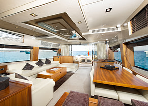 lounge luxusyacht sunseeker predator 84 balearics