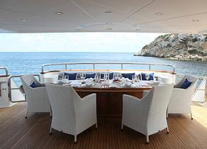 oberdeck sitzgruppe luxusyacht elegance 105