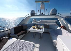 oberdeck luxusyacht sanlorenzo 82 balearic islands sunbeds