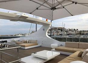oberdeck sitzgruppe luxusyacht villa sul mare 44m westliches mitelmeer