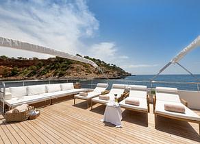 sunbeds luxusyacht navetta 31 balearic islands
