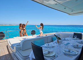 luxusyacht mangusta 130 shane balearic islands oberdeck