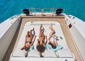 sunbeds luxusyacht mangusta 130 shane balearic islands