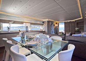 essbereich salon luxusyacht maiora 29m aubrey