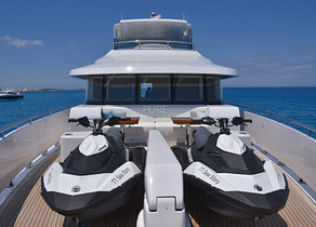 jetski luxusyacht vanquish 82 sea story balearic islands