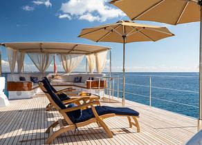 sunbeds luxusyacht benetti odyssey iii balearic islands