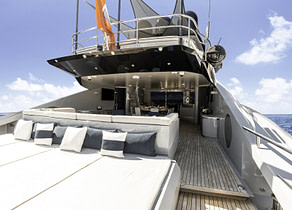 Sonnendeck luxusyacht parker johnson 150 andiamo