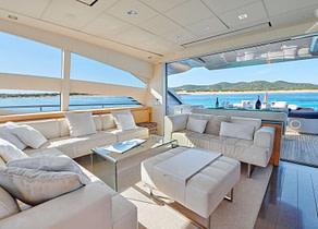 Salon Luxury Yacht pershing 80 halley balearics