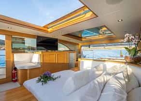 lounge luxusyacht lobster 62 dhamma balearic islands