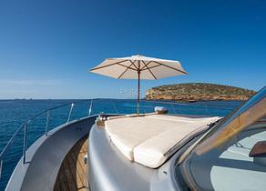 sunbeds luxusyacht lobster 62 dhamma