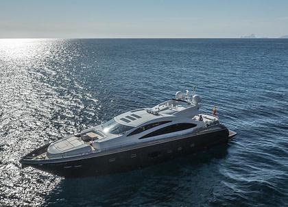 luxusyacht sunseeker predator 84 balearic islands