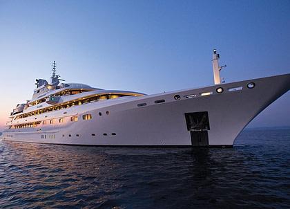 luxusyacht omega 82 westliches mitelmeer charter