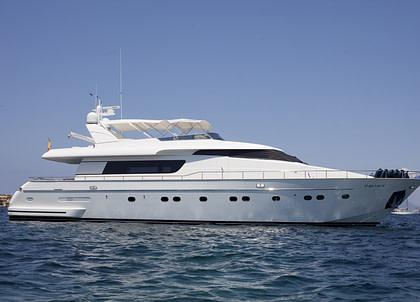 luxusyacht sanlorenzo 82 balearic islands