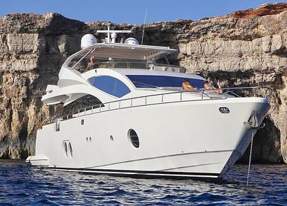 ankernd luxusyacht aicon yachts 27m