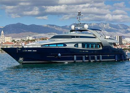 luxusyacht oceanline 127 one blue suedfrankreich