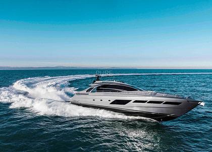 luxusyacht pershing 8x beyond balearics