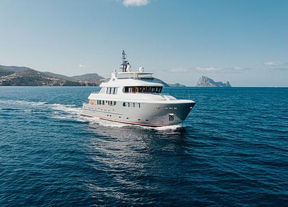 luxusyacht bandido 90 seal westliches mitelmeer