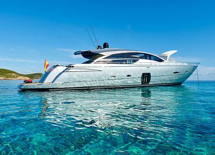 Luxury Yacht pershing 80 halley Balearen Charter